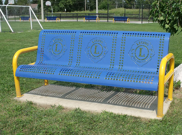 Royale_Bench_2