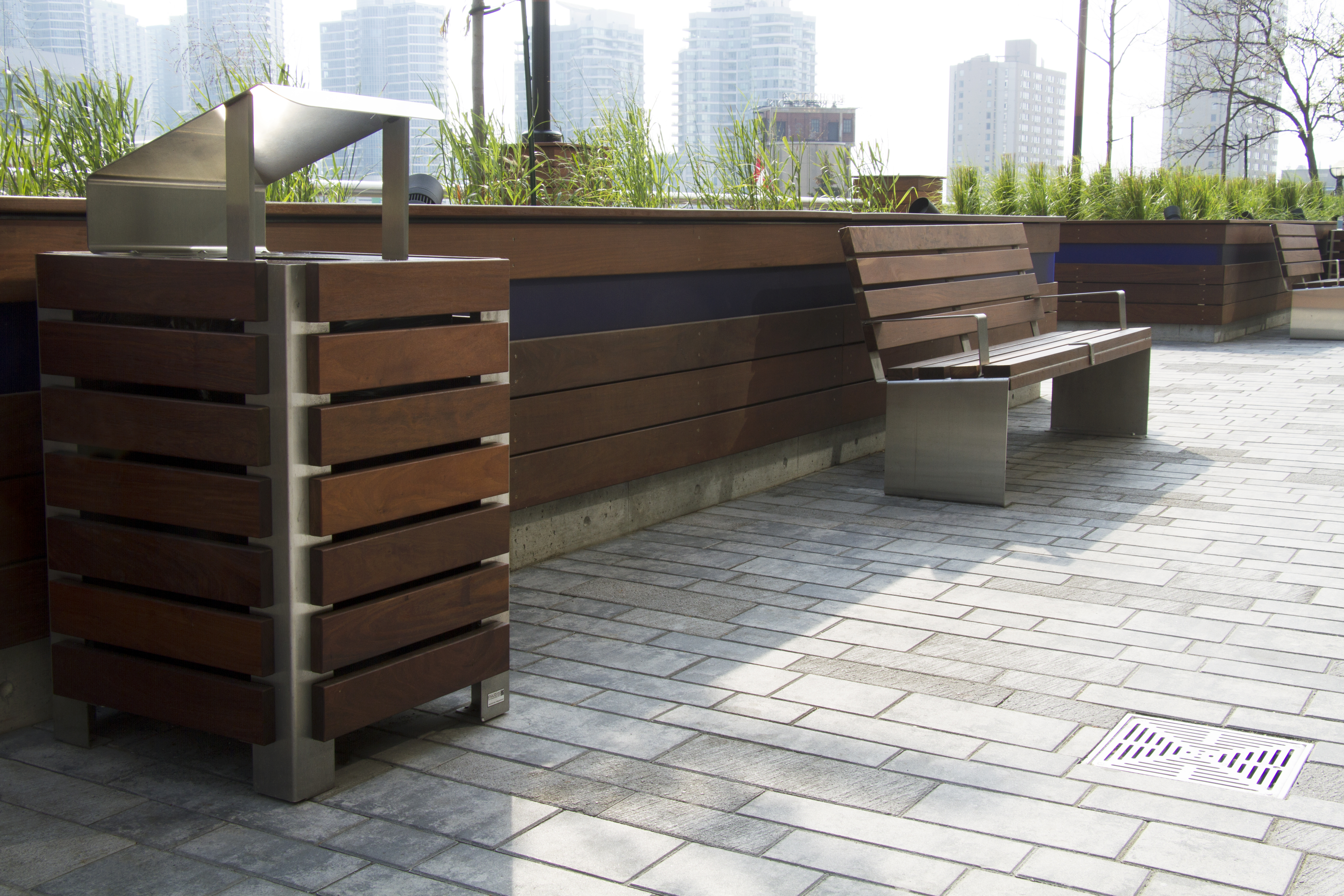 Inox Receptacle , Inox Bench