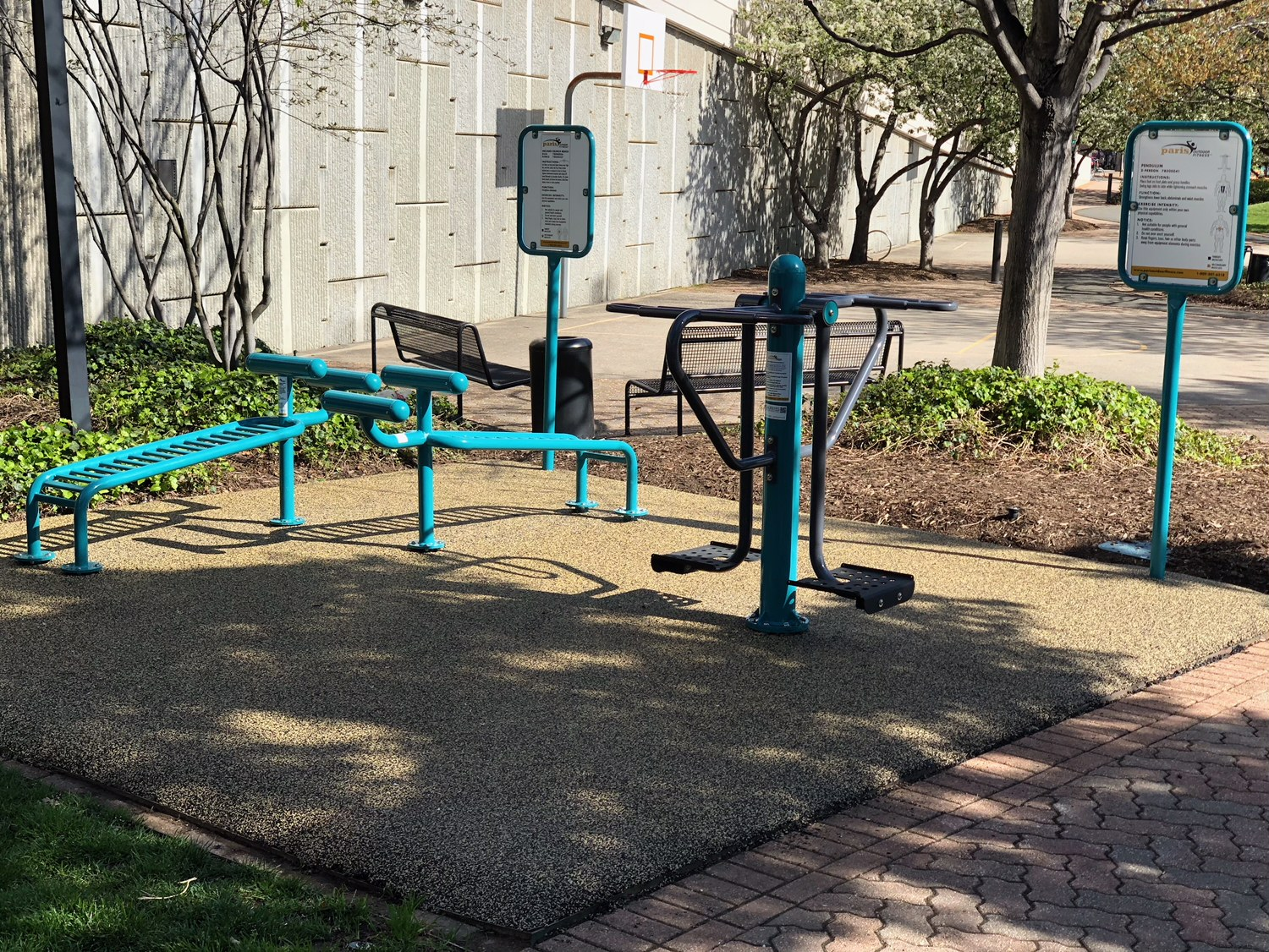 Inclined crunch bench double pendulum